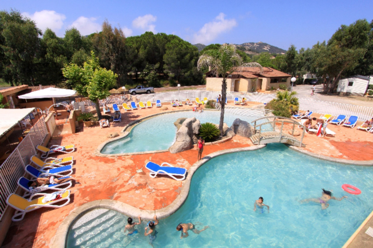 Camping ile rousse avec piscine camping la presqu 39 le for Camping chambery avec piscine