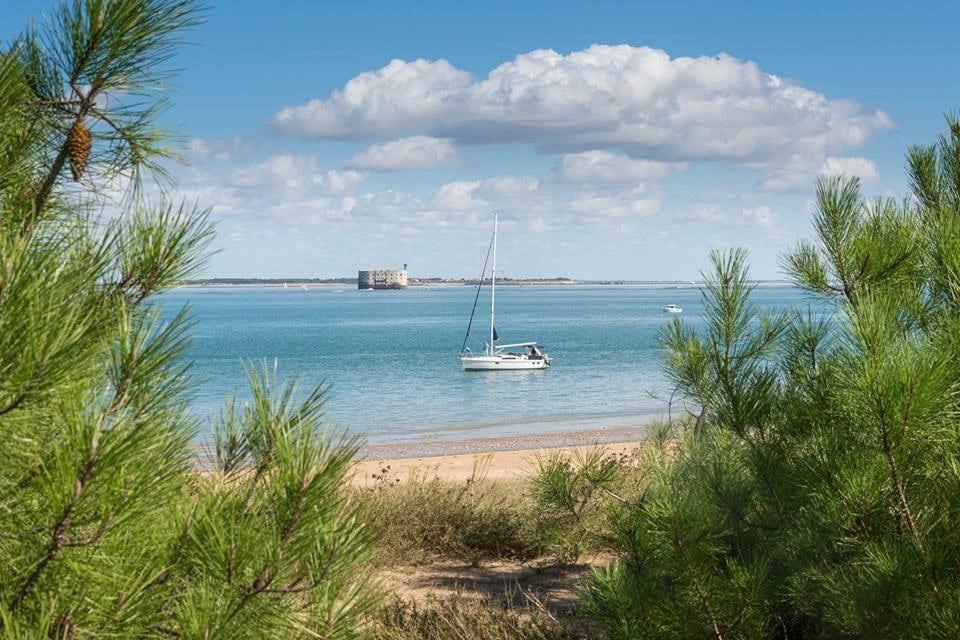 camping ile oleron avec plage fort boyard